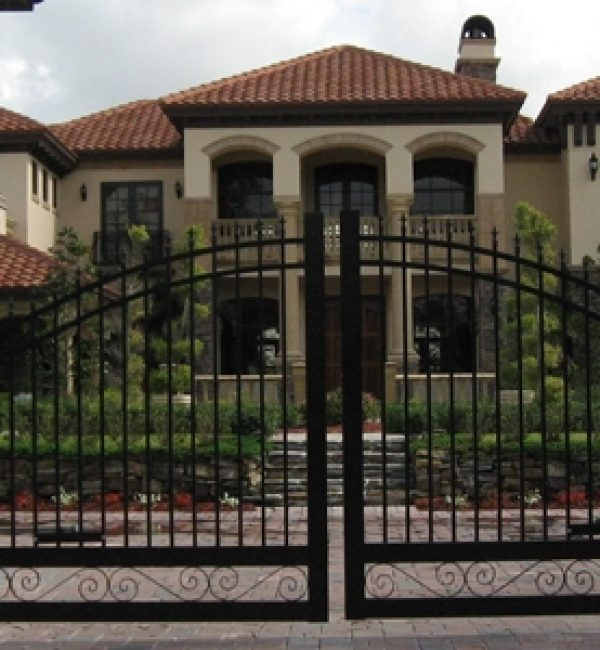Double Swing Gate with bottom design